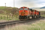 BNSF 5103 (Dash 9) begins the climb
